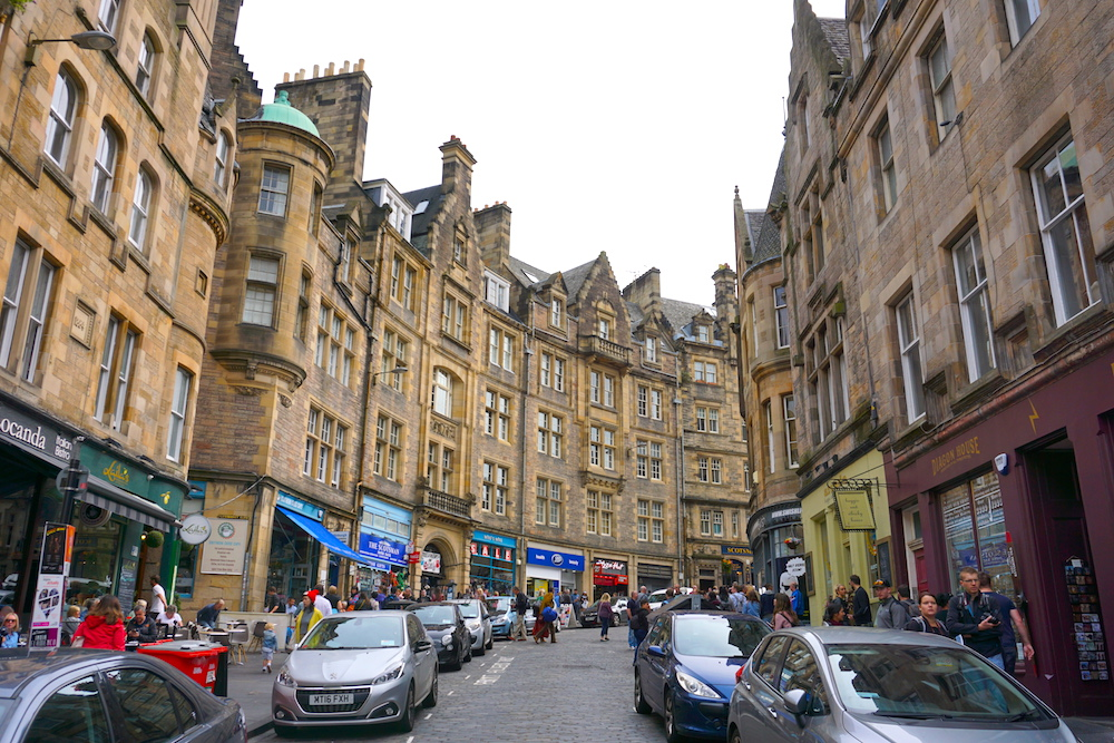 Shopping in Edinburgh: The 7 Streets You Can't Miss